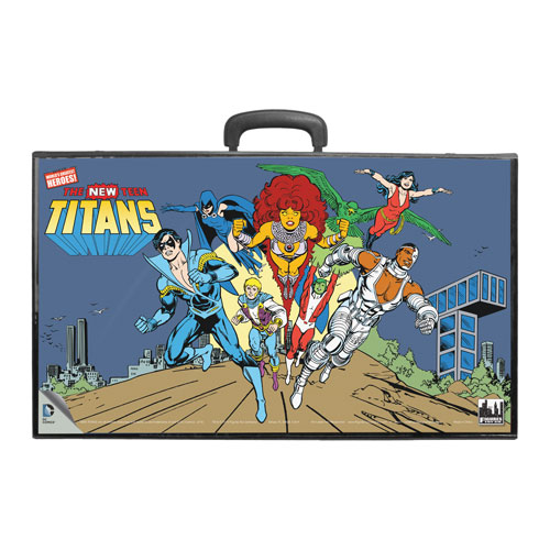 New Teen Titans Retro Action Figures Carry Case